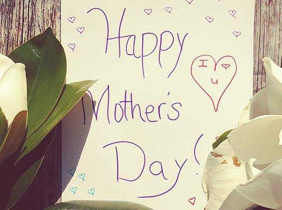 Happy Mother's Day message with white roses